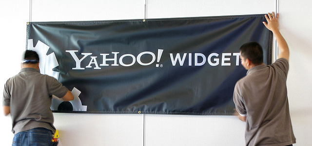 Yahoo! Media widgets with company banner