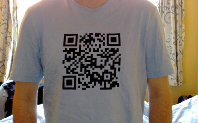 QR code T-shirt