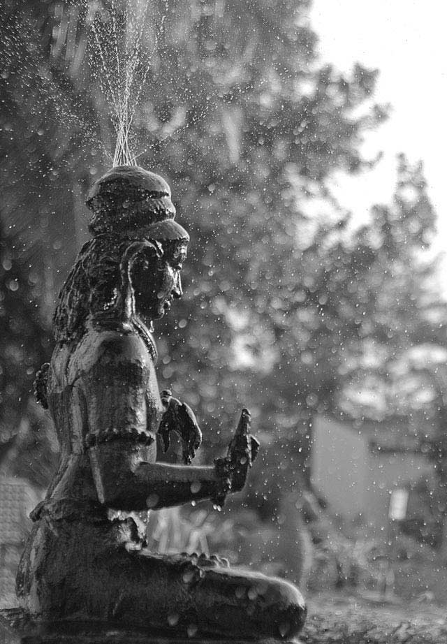 Water Fountain is an example of Beautiful Bokeh Photography