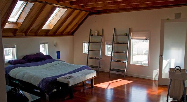Classy bedroom loft lighting in Venice, Italy
