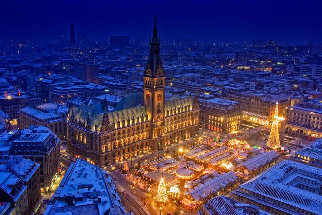 Hamburg at Christmas in a gallery of Christmas Seasonal Photography