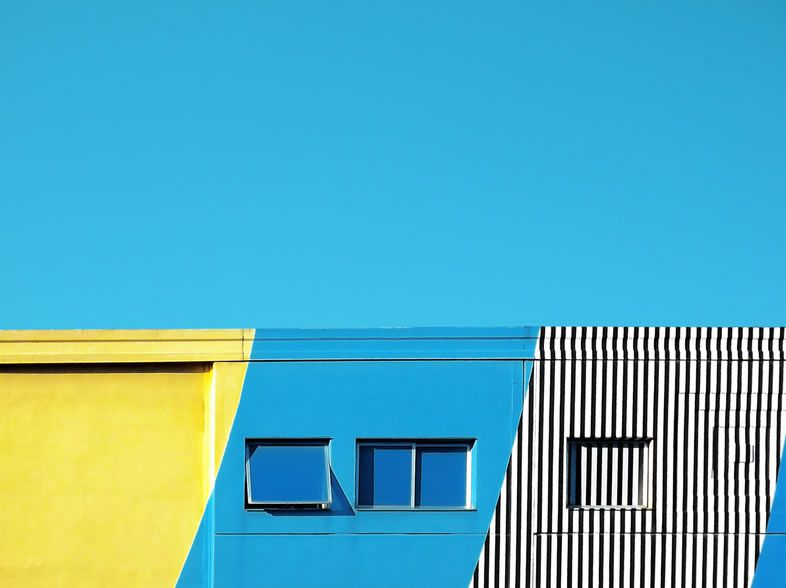 geometric shots in a minimalist context
