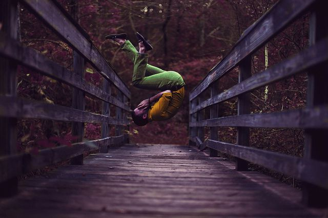 conceptual levitation photographer Bairon Rivera photography inspiration creepy