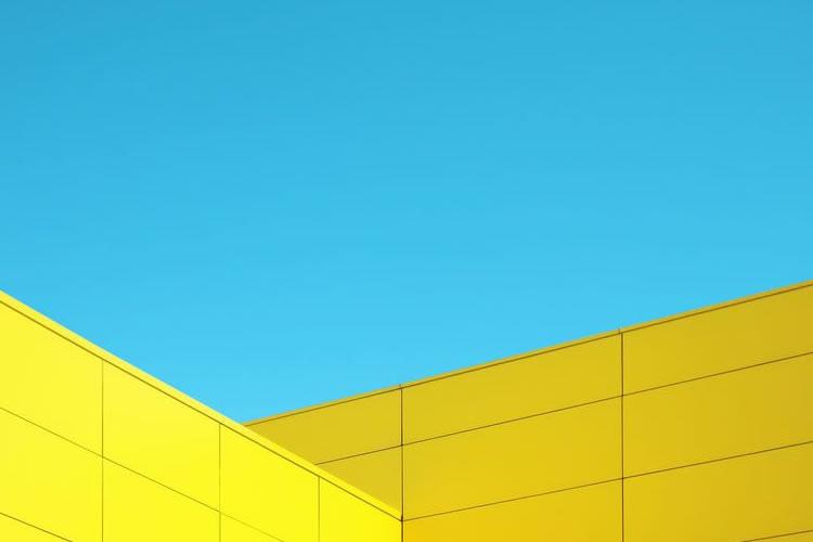 Skymetrics – Contrasting Minimal Urban Photography with a Beautiful Blue Sky