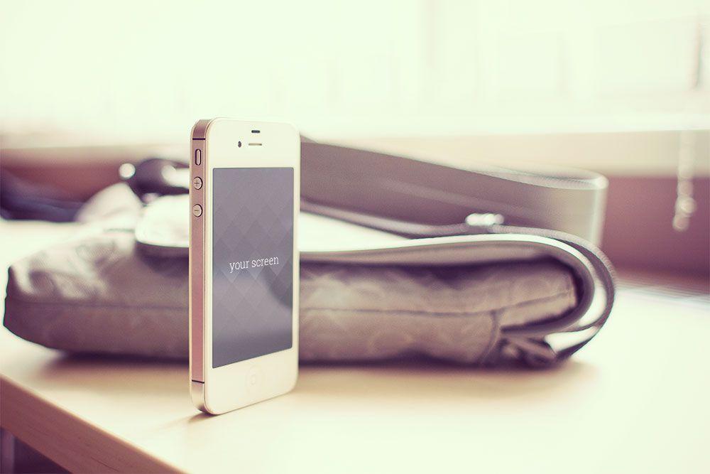 iPhone Photorealistic Mockups Oxygenna free template PSD