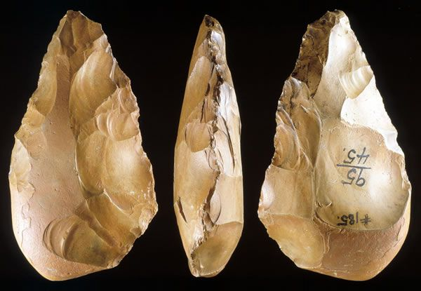ACHEULEAN HANDAXES PALEOLITHIC PERIOD AFRICA, FRANCE & GREAT BRITAIN EST. 1.5 MILLION - 90,000 YEARS AGO
