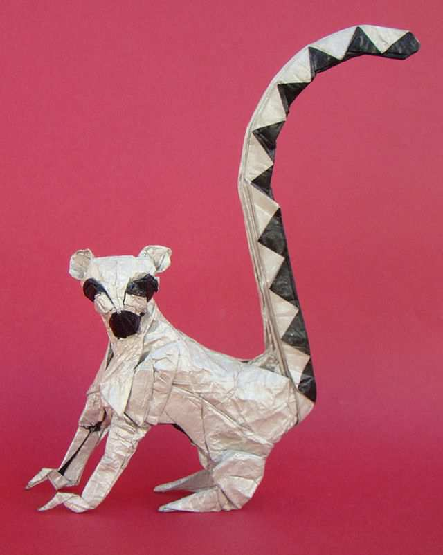 papercraft inspiration example Ringtailed Lemur