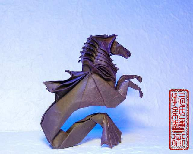 papercraft inspiration example Hippocampus-Romam Diaz