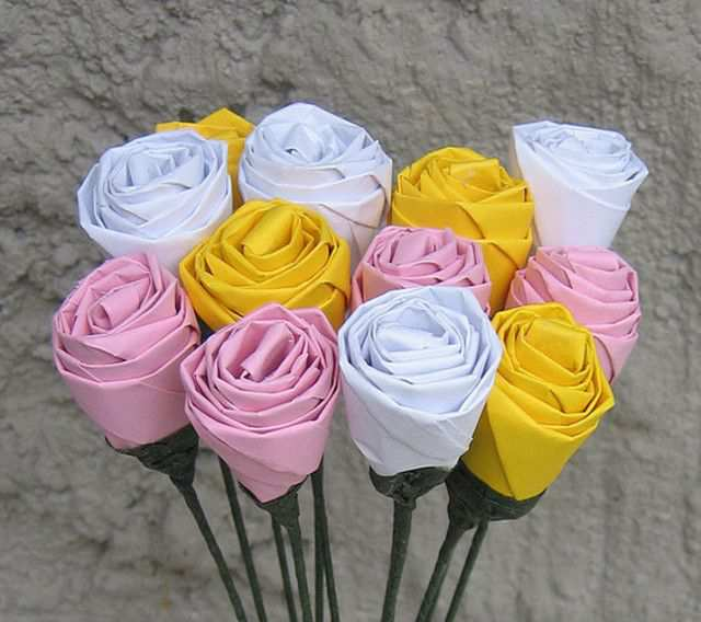 papercraft inspiration example Origami roses