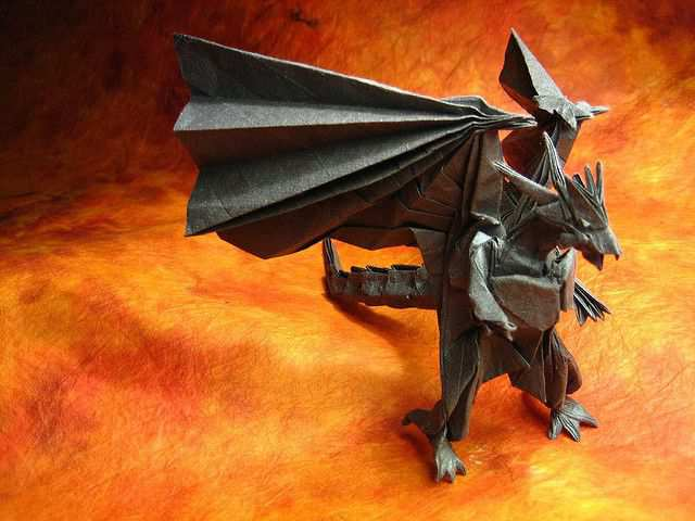 papercraft inspiration example Bahamut (Divine Dragon)