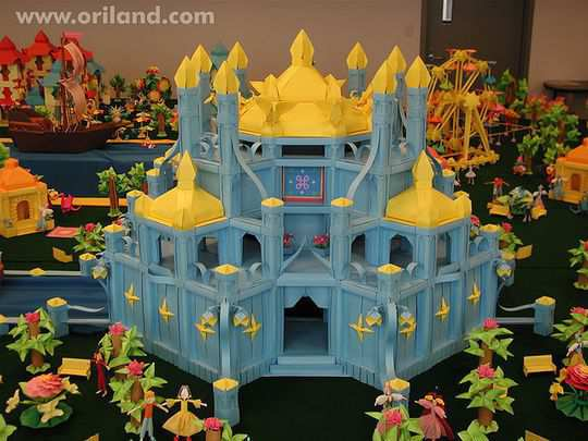 papercraft inspiration example La Magic Castle