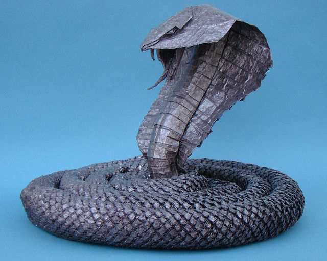 papercraft inspiration example King Cobra