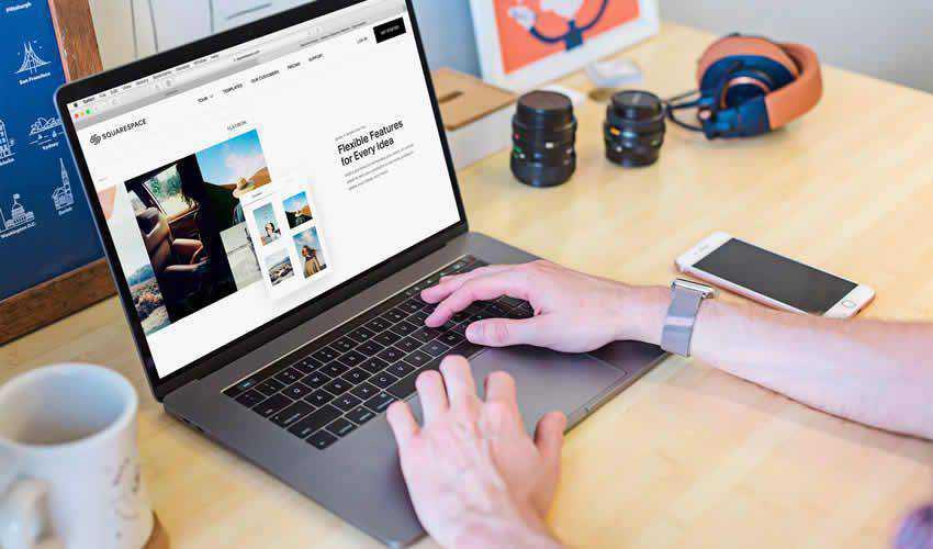 Macbook Touch Bar website responsive mockup template web design edit ps photoshop