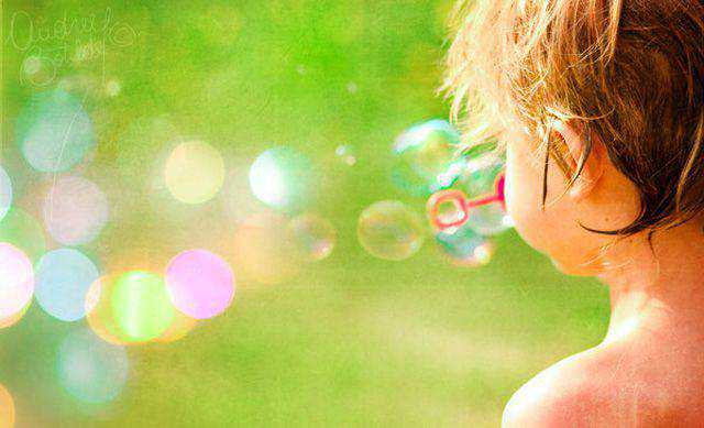 Blowing Magic is an example of Beautiful Bokeh Photography