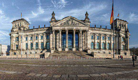 Reichstag - Berlin Architectural Photography with an HDR style
