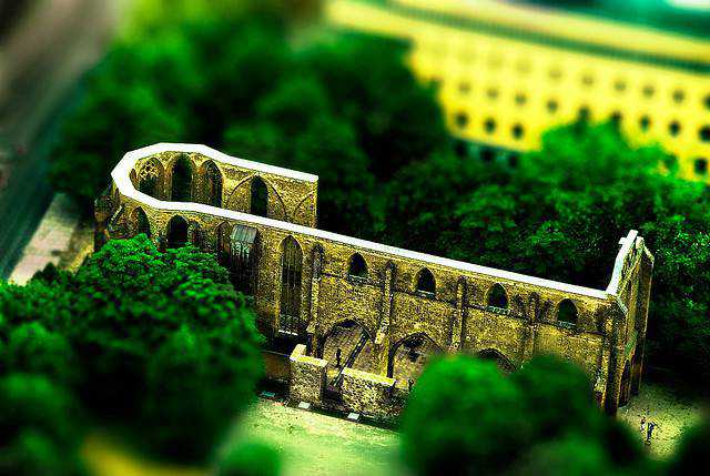 tilt-shift photography miniature Mini Ruins