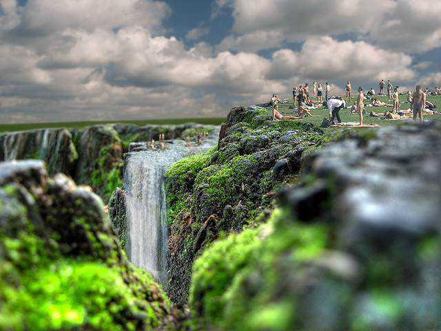 tilt-shift photography miniature Cliff 3000