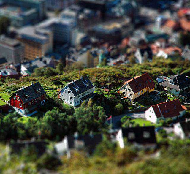 tilt-shift photography miniature Bergen. Norway (Tilt-Shift, miniature, HDRi)