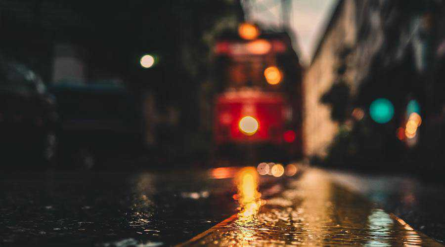 Out of Focus Tram lights bokeh photography inspiration