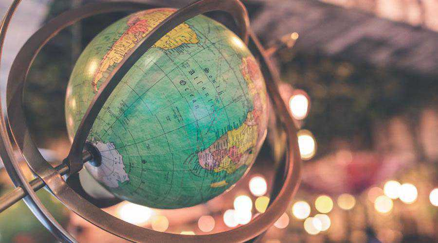 Vintage Globe lights bokeh photography inspiration