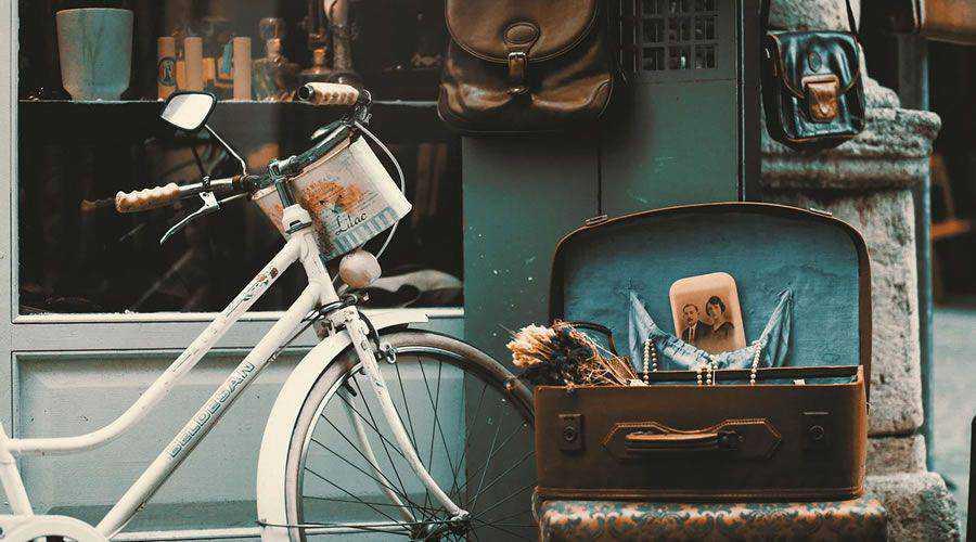Vintage Bicycle in Street desktop wallpaper hd 4k high-resolution