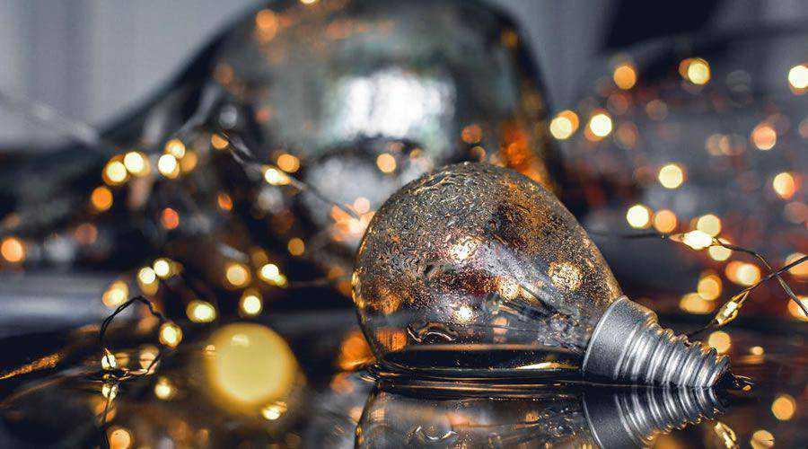 Bokeh Light Bulb in Water desktop wallpaper hd 4k high-resolution