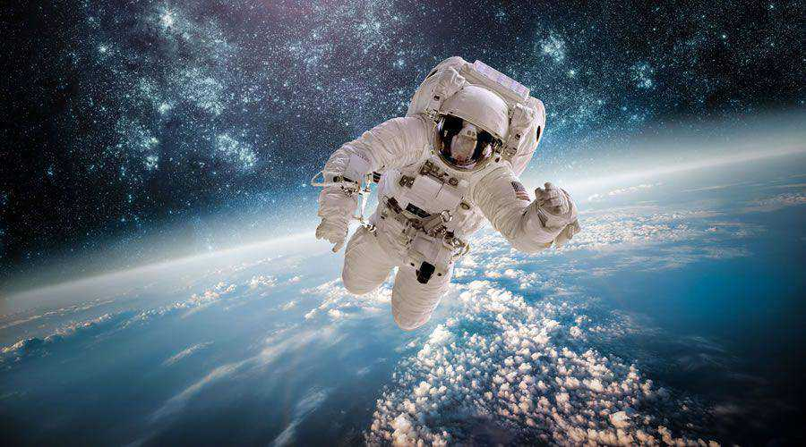 Astronaut in Space desktop wallpaper hd 4k high-resolution