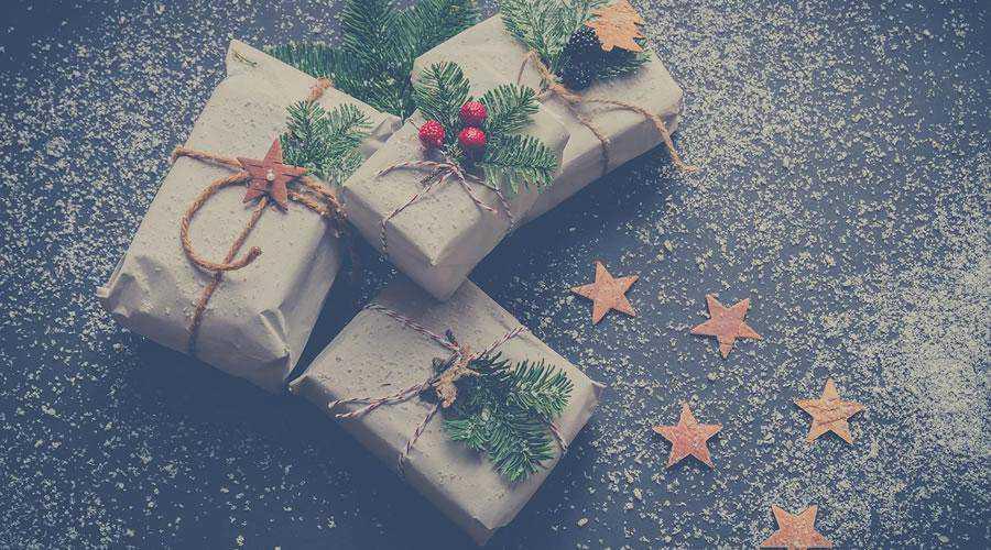 Rustic Christmas Gifts hd wallpaper desktop high-resolution background