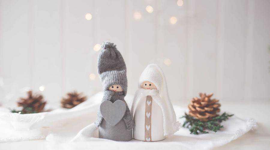 Little Elf People christmas hd wallpaper desktop high-resolution background