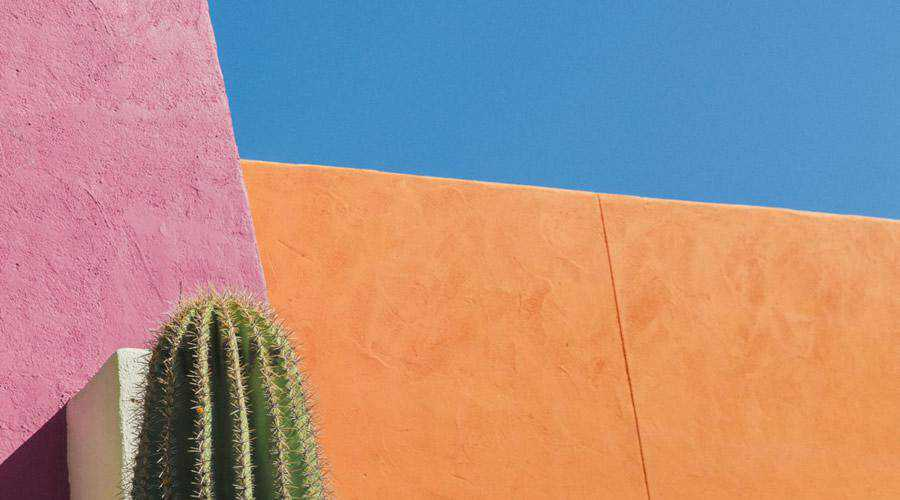 Colorful Building in Desert minimal minimalistic desktop wallpaper hd 4k high-resolution