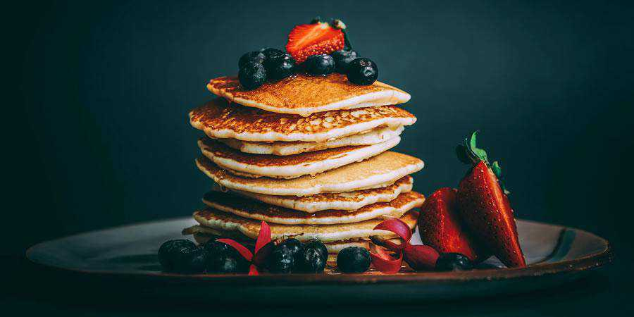stack panckaes fresh tasty fruit blueberries strawberry