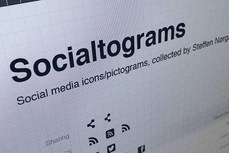 30 Beautiful Free Social Media Icon Sets
