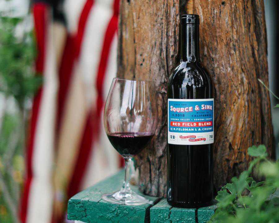 Source & Sink wine label design inspiration